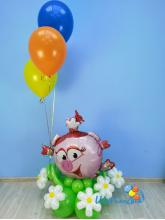 Нюша с шариками на полянке