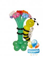 Пчелка на полянке
